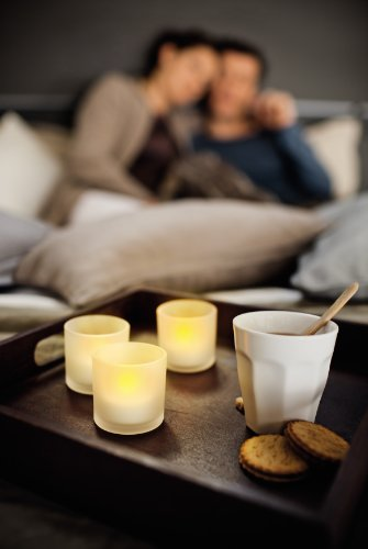 Philips-Tealights-Set-de-3-velas-con-tecnologa-LED-color-blanco-luz-blanca-clida-0-5
