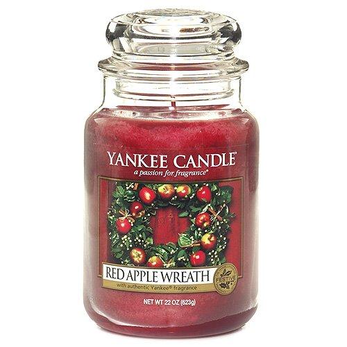 Vela roja en tarro grande, olor a manzana de Yankee Candles